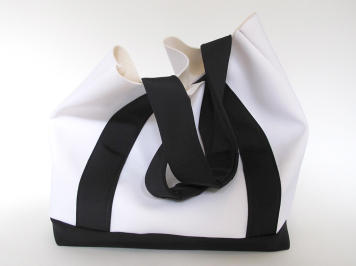 Sueco Bags Black / Snow Bucket Tote